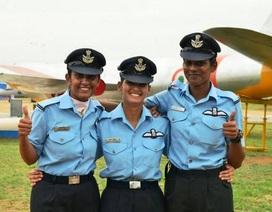 """Những """"bóng hồng"""" trở thành phi công chiến đấu đầu tiên của Ấn Độ"""