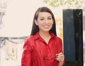 Phi Nhung nổi bật trong lần hiếm hoi diện trang phục hàng hiệu