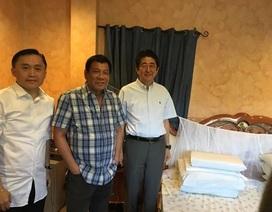 Tổng thống Philippines mời Thủ tướng Nhật ăn sáng, thăm nhà riêng
