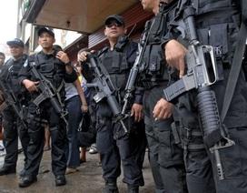 """Trung Quốc """"cho không"""" Philippines 23.000 khẩu súng"""