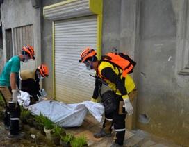 """""""Biệt đội cảm tử"""" cứu dân thường mắc kẹt tại vùng chiến sự ở Philippines"""