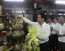 Phó Thủ tướng Vương Đình Huệ tri ân liệt sĩ tại Thành cổ Quảng Trị