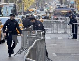 """""""Vượt mặt"""" hàng nghìn cảnh sát, trộm đồ giữa Quảng trường Thời đại"""