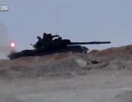 Cú thoát thân cực đỉnh của T-62M khiến Leopard 2A4 lép vế