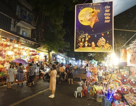 Chợ Trung thu phố cổ Hà Nội rực rỡ sắc màu