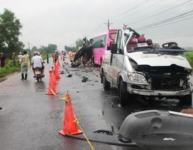 6 người chết, 8 người nhập viện trong vụ tai nạn xe khách