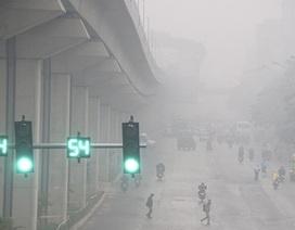 Hà Nội mờ ảo trong sương mù dày đặc