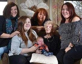 Gia đình 6 thế hệ, cụ bà 103 tuổi hạnh phúc đón chít đầu lòng