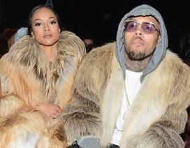 Chris Brown bị cách ly vì dọa giết tình cũ