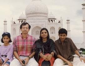 Thú vị câu chuyện chiếc màn và tình thân gia đình của một nhà văn Ấn Độ