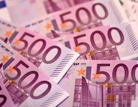 Bí ẩn vụ hàng chục nghìn euro bị xả xuống bệ xí