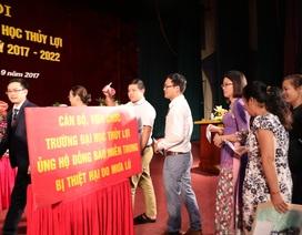 Trường Đại học Thủy lợi quyên góp ủng hộ đồng bào lũ lụt miền Trung