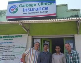 Dịch vụ giúp người nghèo lấy rác đổi bảo hiểm y tế