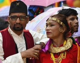 Vượt qua mọi rào cản, chàng 22 quyết kết hôn với nàng chuyển giới tuổi 40