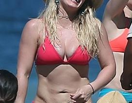 Sao và những màn diện bikini hở bạo trong năm qua