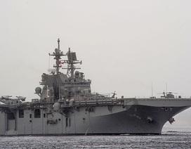 Lính Mỹ bắn trăm phát đạn không hạ nổi chiếc thuyền con (?)