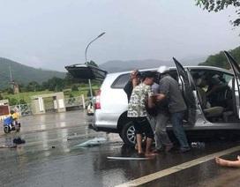 Nữ tài xế gây tai nạn liên hoàn, 1 du khách Pháp bị thương