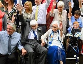 Lãng mạn đám cưới của cụ bà 95 và người tình 93 tuổi