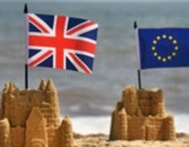 Nội bộ chia rẽ, chính phủ Anh tiến thoái lưỡng nan về Brexit