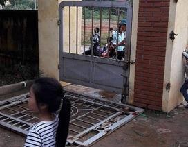Vụ cổng trường đè gãy xương học sinh: Hiệu trưởng phải kiểm điểm trách nhiệm