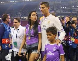 """Lộ bằng chứng bạn gái của C.Ronaldo mơ về """"ngôi nhà và những đứa trẻ"""""""