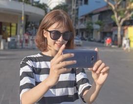 """Không cần là """"trùm"""" công nghệ, hội con gái vẫn mê mẩn Galaxy S8"""