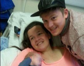 Ngưng tim trong khi sinh, tỉnh dậy bà mẹ tin rằng mình mới 13 tuổi