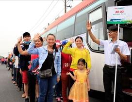 FE CREDIT tổ chức đưa 405 công nhân về quê ăn Tết