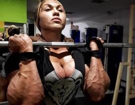 Choáng váng với ngoại hình của nữ vận động viên vạm vỡ nhất thế giới
