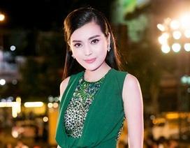 Chân dài Việt xin lỗi BTC Cánh diều vàng sự cố đầm quá gợi cảm