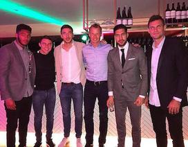 Gerrard bất ngờ hội ngộ cùng dàn sao của Liverpool