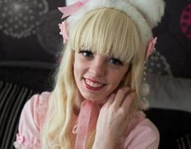"""Chi đến 20000 bảng Anh để """"đắp"""" quần áo, phụ kiện búp bê Lolita lên người"""