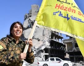 """Đội quân """"bóng hồng"""" quét sạch IS tại thủ phủ Raqqa"""
