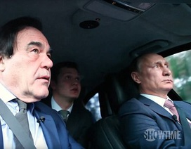 Tổng thống Putin cầm vô lăng, trò chuyện cùng đạo diễn Mỹ