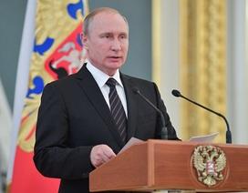 Tổng thống Putin tuyên bố tăng cường sức mạnh quân sự Nga