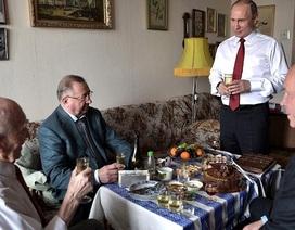 Tổng thống Nga Putin tặng sếp cũ ở KGB chiếc đồng hồ Prezident