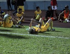 Thủ môn FLC Thanh Hoá sai lầm ngớ ngẩn khiến đội nhà trắng tay tại Cẩm Phả