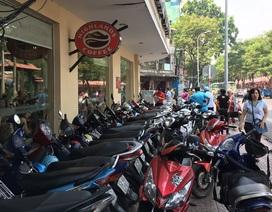 Phạt quán cà phê 5 triệu đồng vì để xe máy lấn chiếm vỉa hè
