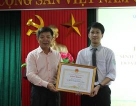 Quảng Bình: Á quân Olympic Vật lý châu Á được Chủ tịch UBND tỉnh tặng Bằng khen
