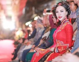 Á hậu Ngọc Quỳnh diện áo dài khoe sắc rạng rỡ