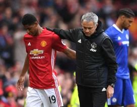 """HLV Mourinho công khai lý do ưu ái Rashford, """"gay gắt"""" với Martial"""