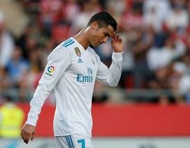Cổ động viên mất hết niềm tin vào Real Madrid sau trận thua bẽ mặt
