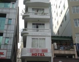 Du khách nước ngoài rơi từ tầng 5 khách sạn