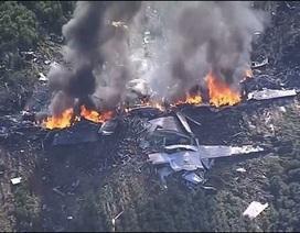 Máy bay quân sự Mỹ phát nổ trên không, ít nhất 16 người chết