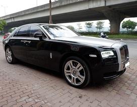 Rolls Royce Ghost 30 tỷ đồng rao bán trên vỉa hè Hà Nội