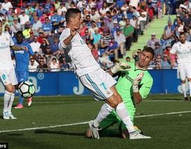 "C.Ronaldo ""khai hỏa"", Real Madrid giành 3 điểm trước Getafe"