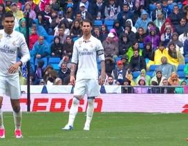 C.Ronaldo cáu tiết với đồng đội vì phá hỏng ý đồ… tẩy thẻ