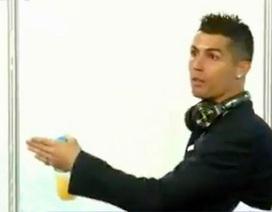 C.Ronaldo nổi giận với phóng viên vì… bị bịa chuyện