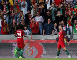 C.Ronaldo cân bằng thành tích của Kiatisuk