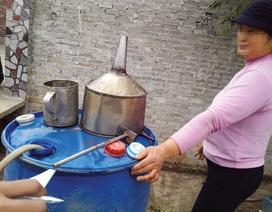 Bắc Ninh: Bắt nhanh hơn 500 lít rượu tự nấu không giấy phép